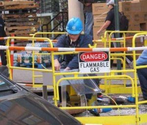 people-doing-unsafe-things (9)