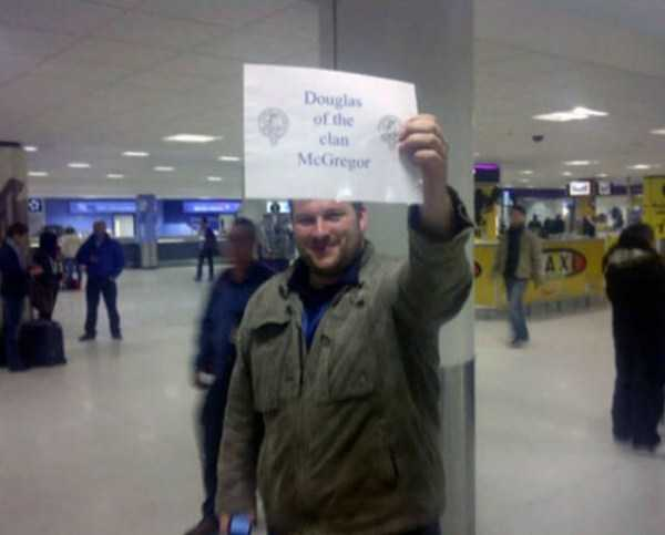 airport-welcome-signs (27)