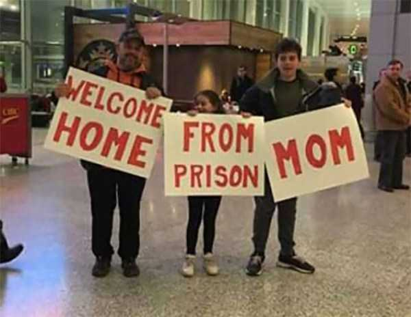 airport-welcome-signs (29)