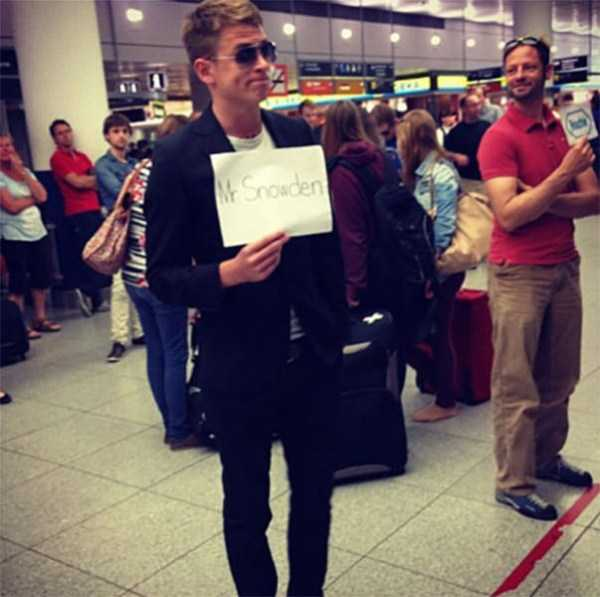 airport-welcome-signs (4)