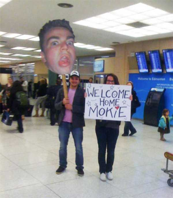 airport-welcome-signs (8)
