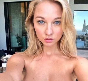 attractive-blondes (33)