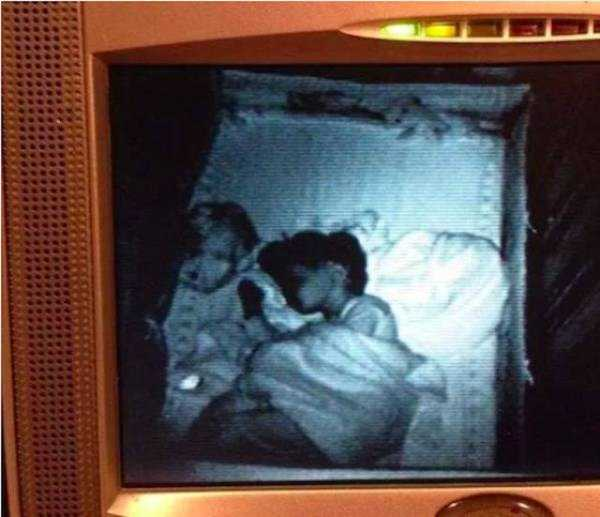 creepy-images-baby-monitors (1)