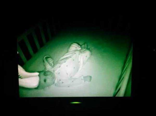 creepy-images-baby-monitors (17)