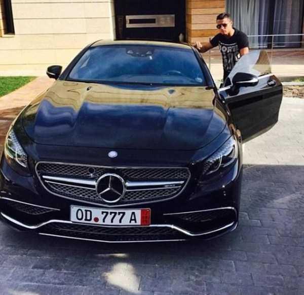 cristiano-ronaldo-cars (7)