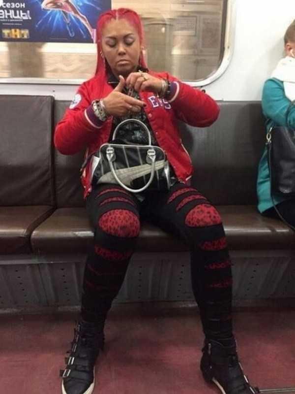 fashion-in-russian-subway (30)