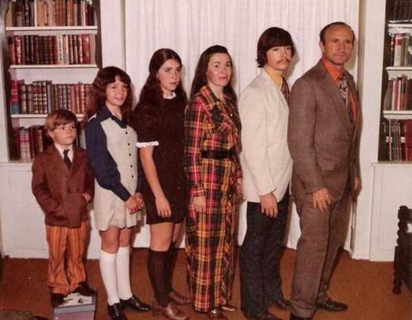 funny-awkward-familiy-pics (27)