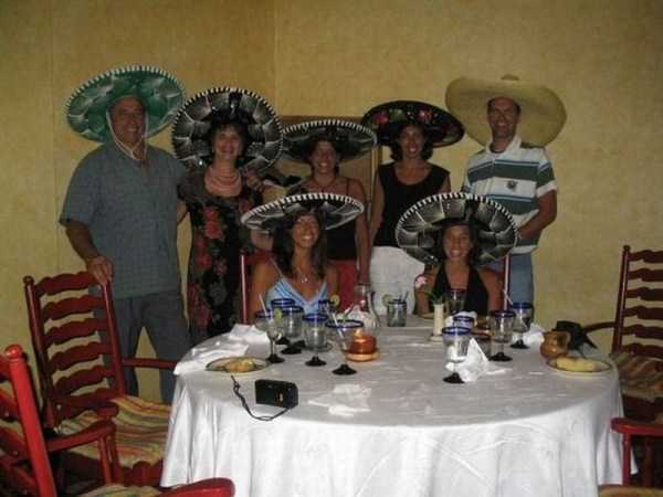 funny-awkward-familiy-pics (42)