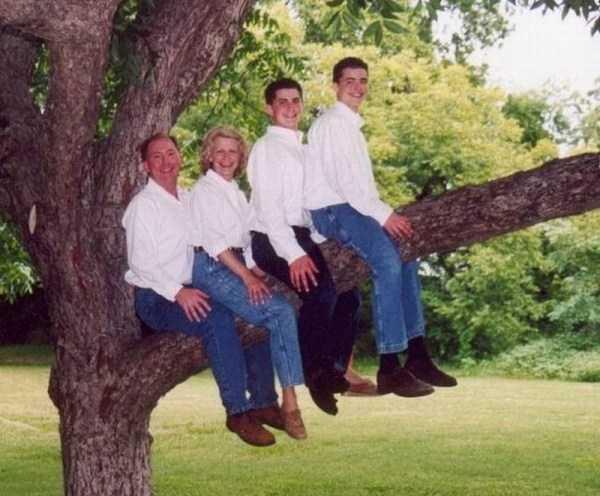 funny-awkward-familiy-pics (43)