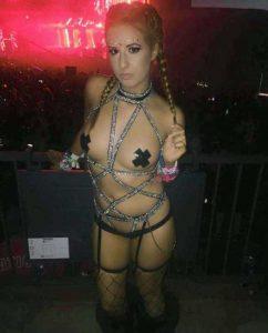 hot-girls (24)