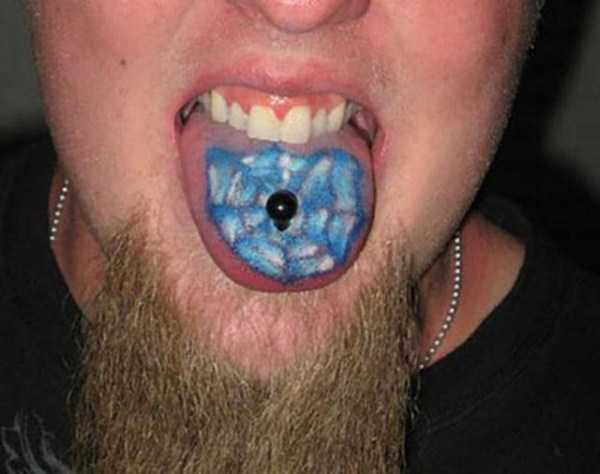 ridiculous-tongue-tattoos (23)