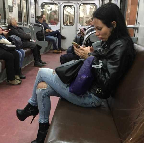 russian-subway-weird-fashion (1)