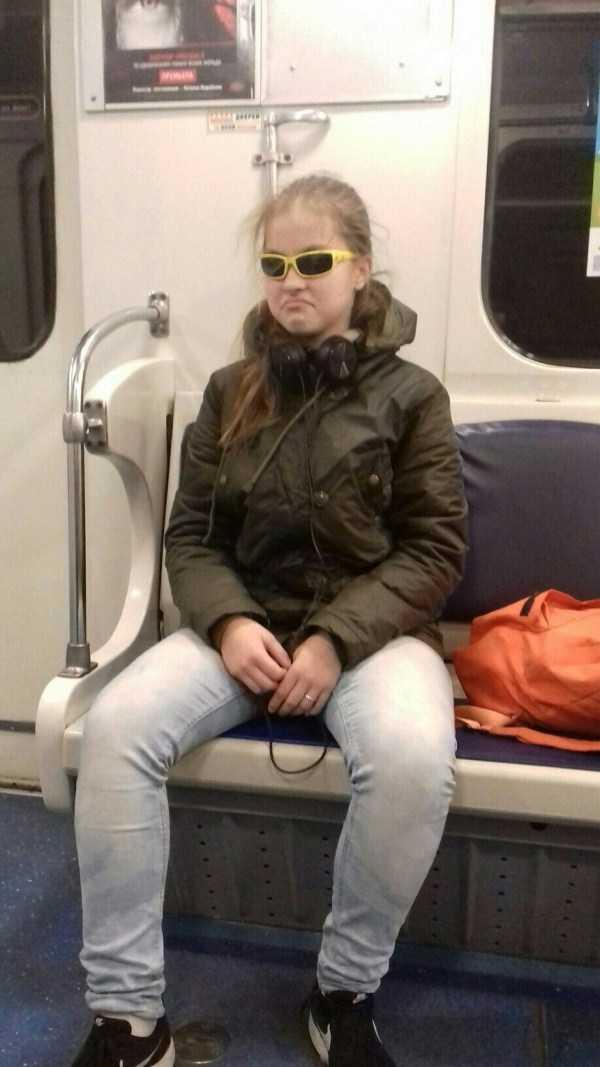 russian-subway-weird-fashion (12)