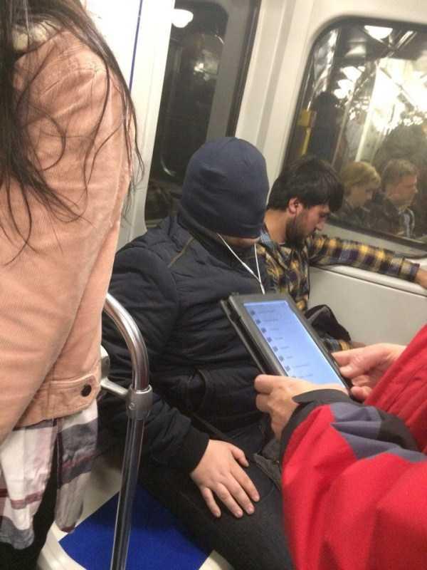 russian-subway-weird-fashion (27)