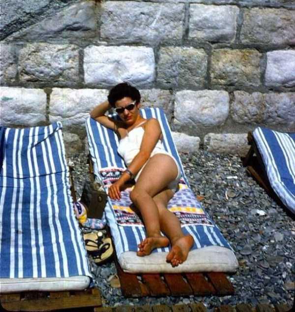 women-swimwear-1950s (2)