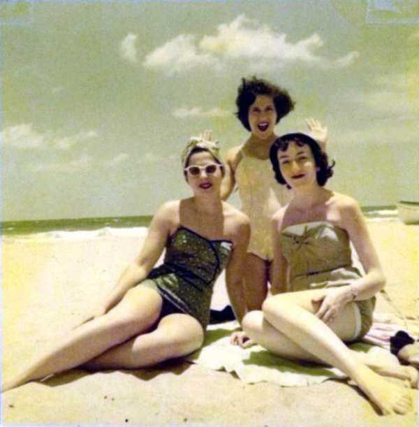 women-swimwear-1950s (21)