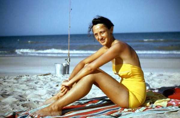 women-swimwear-1950s (23)