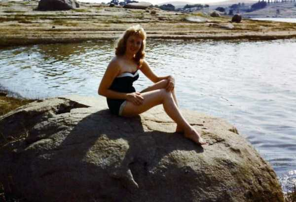 women-swimwear-1950s (26)
