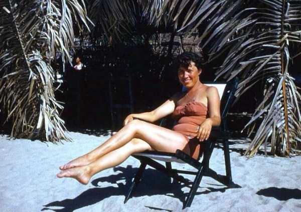 women-swimwear-1950s (37)