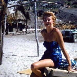 women-swimwear-1950s (38)