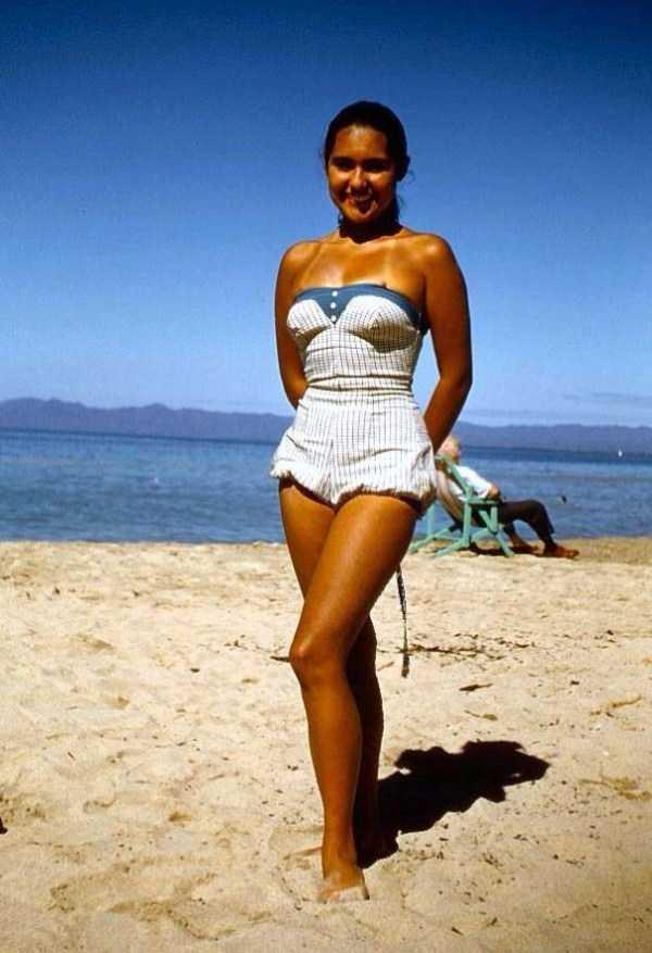 women-swimwear-1950s (39)