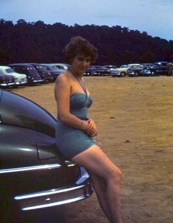 women-swimwear-1950s (4)