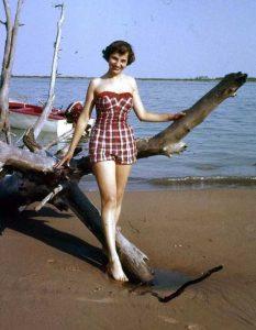 women-swimwear-1950s (9)