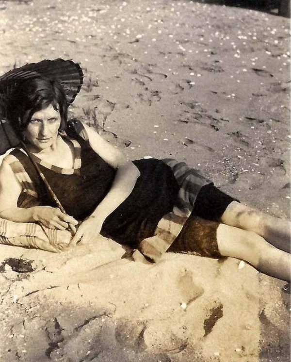 womens-swimsuits-1920s (27)