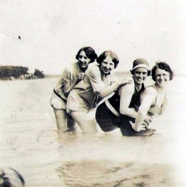 womens-swimsuits-1920s (35)