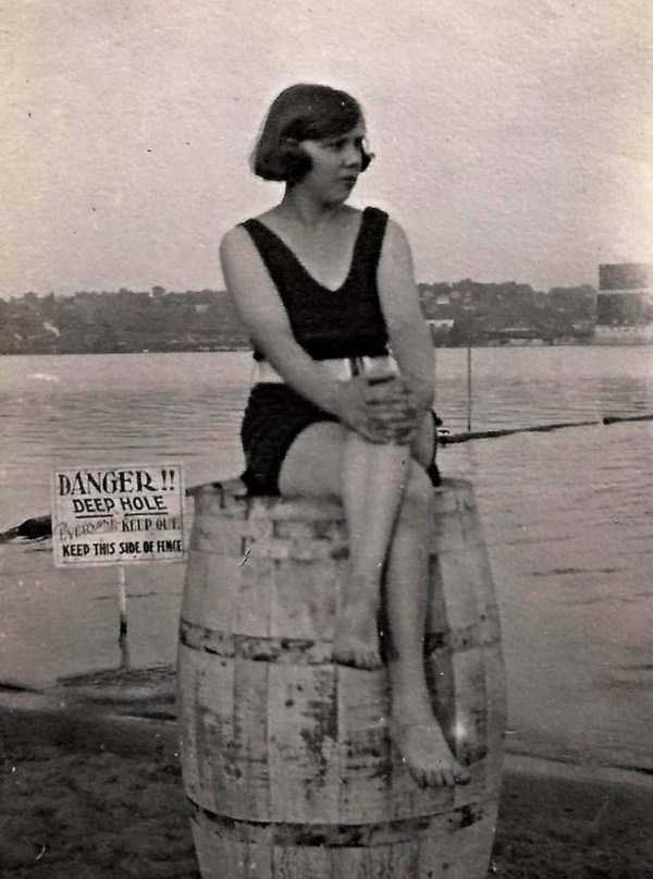 womens-swimsuits-1920s (39)