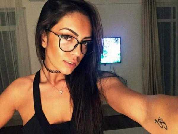 beautiful-girls-with-glasses (16)