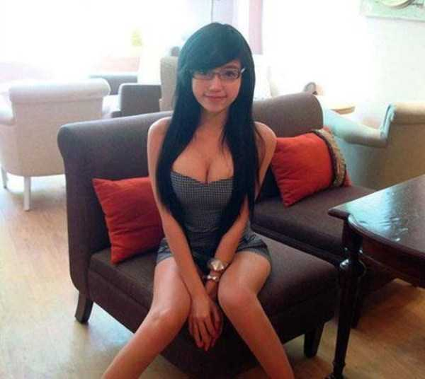 beautiful-girls-with-glasses (20)