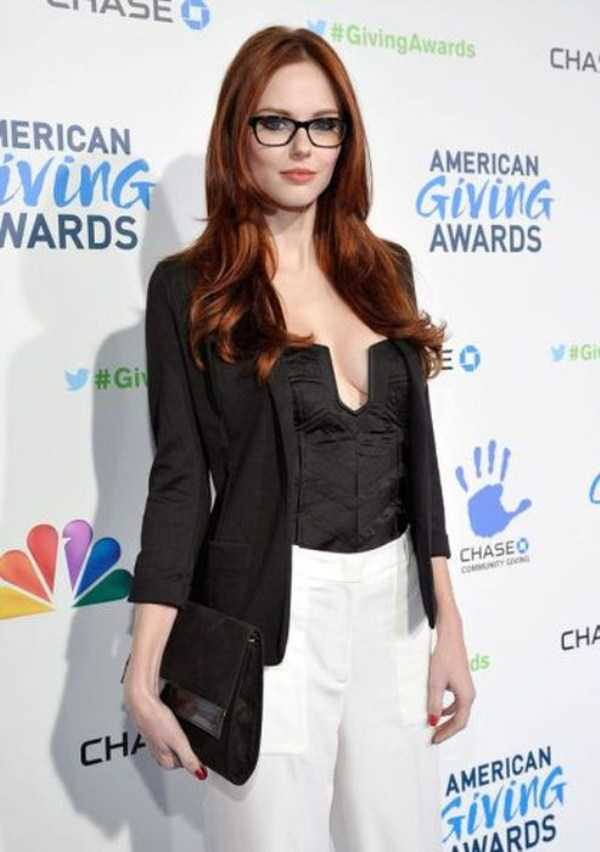 beautiful-girls-with-glasses (22)