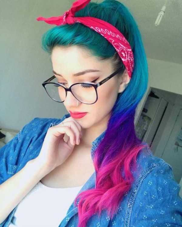 beautiful-girls-with-glasses (25)