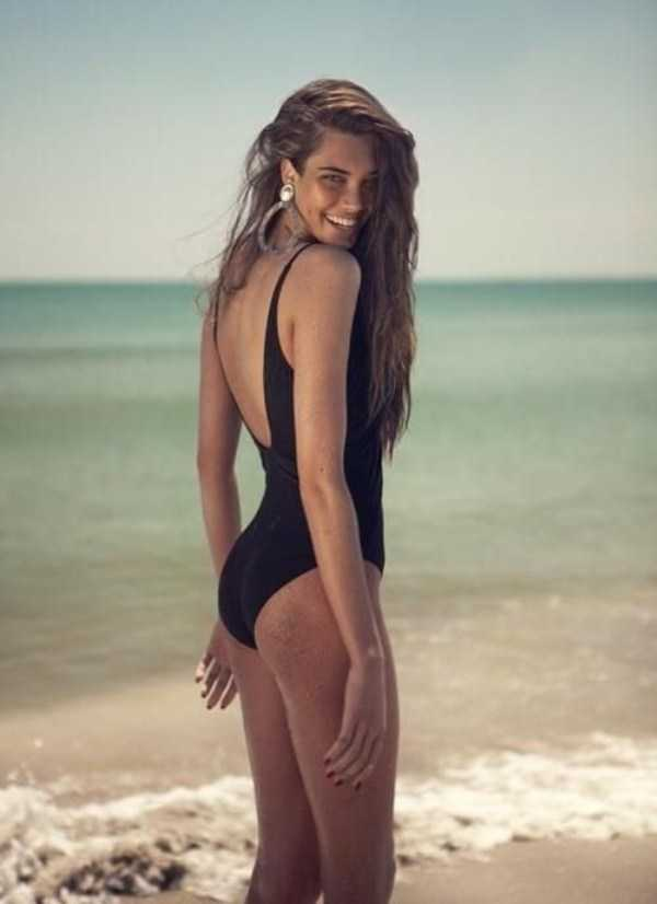 girls-in-one-piece-swimsuits (30)