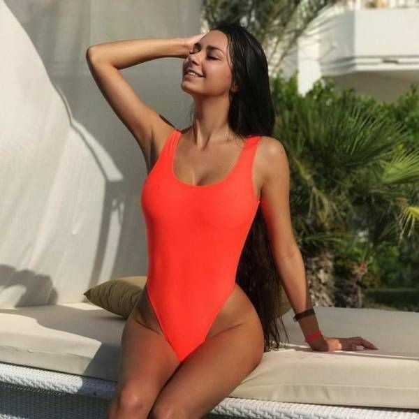 girls-in-one-piece-swimsuits (8)
