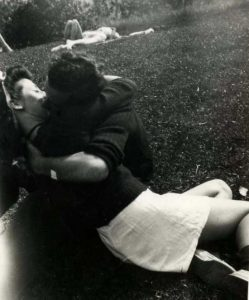 kissing-in-the-past (26)