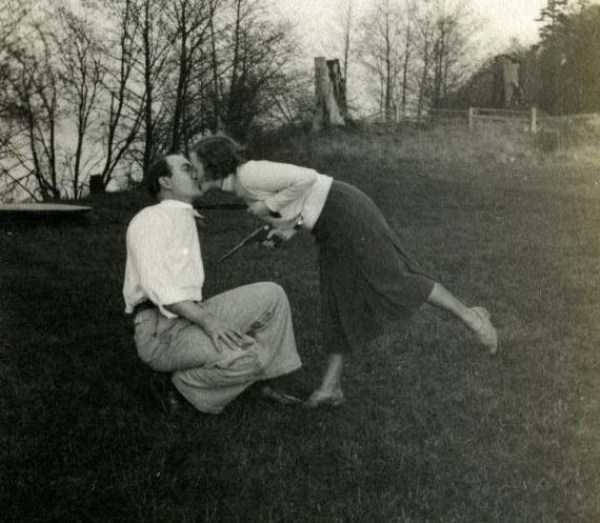 kissing-in-the-past (27)