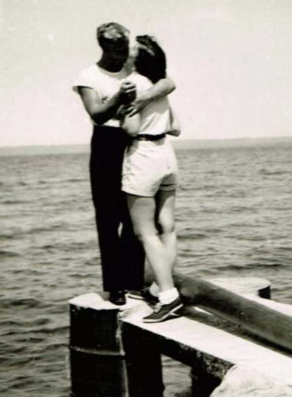 kissing-in-the-past (29)