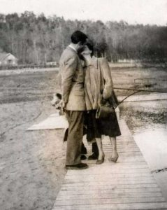 kissing-in-the-past (30)