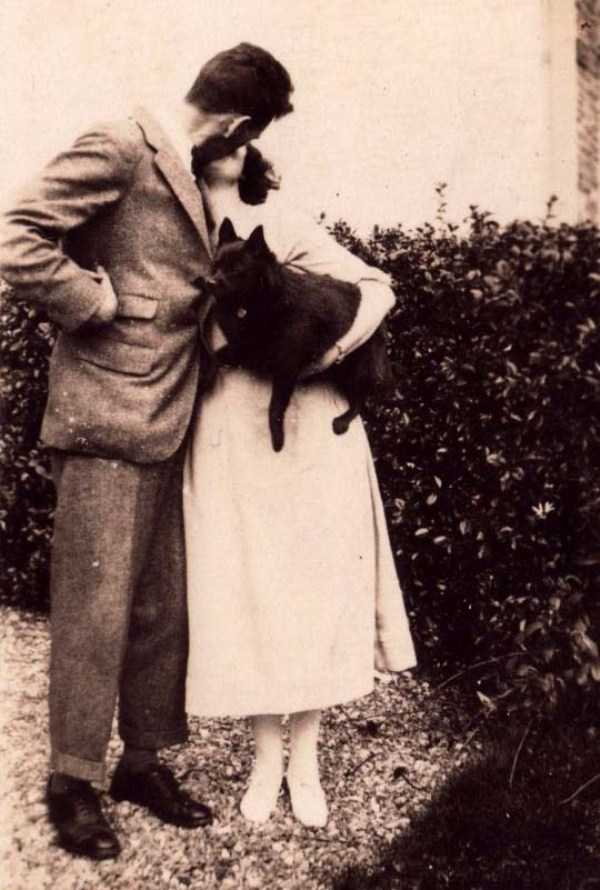 kissing-in-the-past (32)