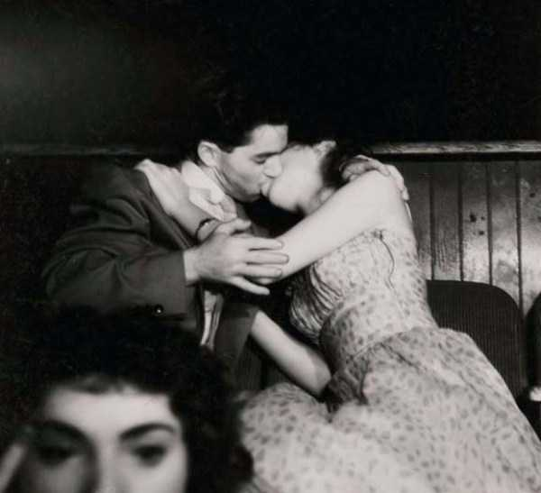 kissing-in-the-past (41)