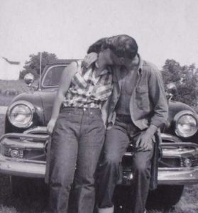 kissing-in-the-past (5)