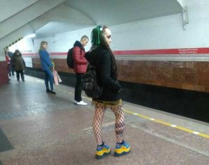 weird-russian-subway-fashion (1)