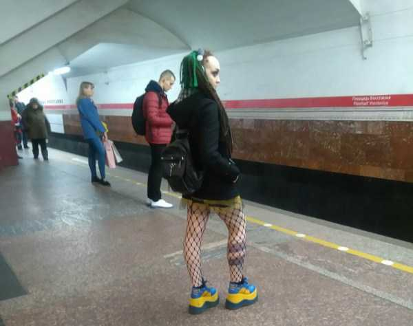 weird-russian-subway-fashion (1)