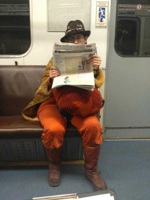 weird-russian-subway-fashion (19)