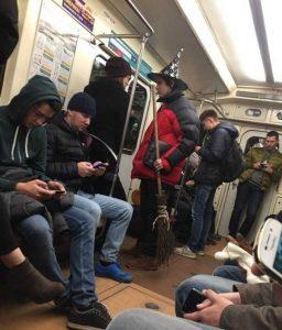 weird-russian-subway-fashion (23)