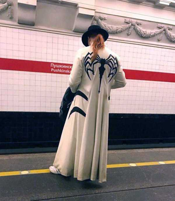 weird-russian-subway-fashion (24)