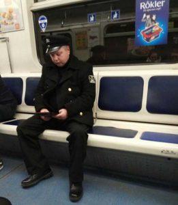 weird-russian-subway-fashion (27)