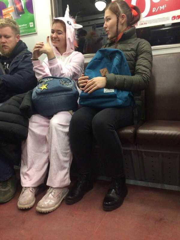 weird-russian-subway-fashion (30)